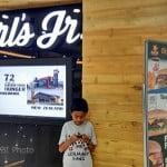 Carls JR Burger Raya Darmo